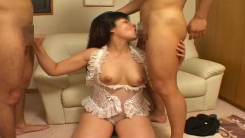 【個人撮影】久しぶりのセックスが3Pでやる気満々の熟女さん
